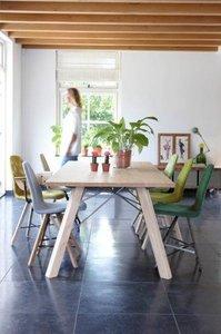 Spoinq Eetkamertafel Straight met houten poten